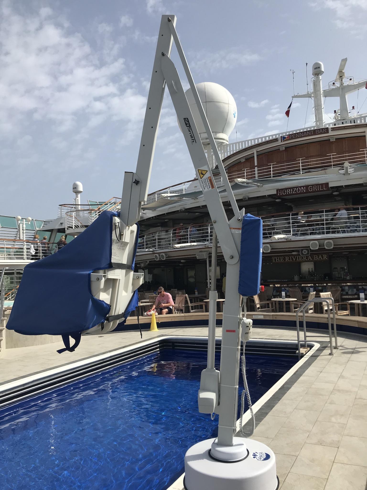 splash-extended-reach-hi-lo-cruise-ship-rmt-pool-lifts.jpg