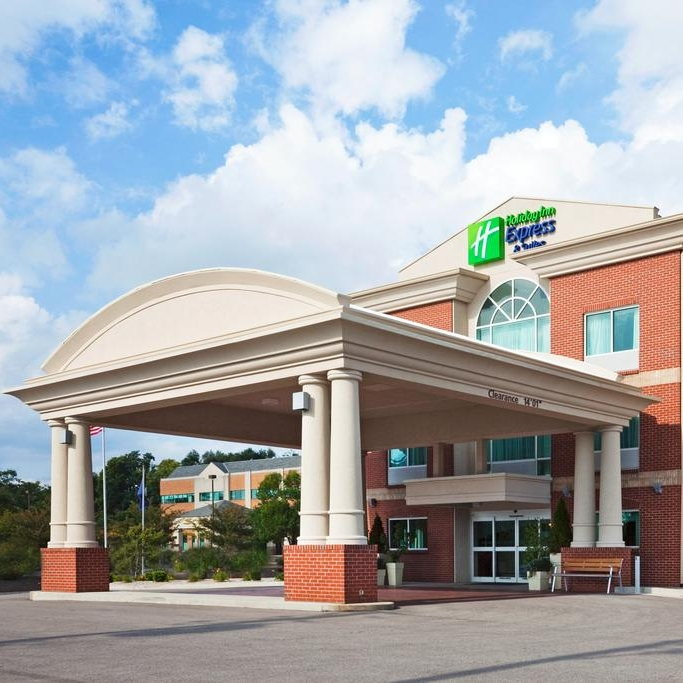 Bellevue - Holiday Inn Express & SuitesAddress: 110 Landmark Drive, Bellevue, KY 41073Phone: (859) 957-2320
