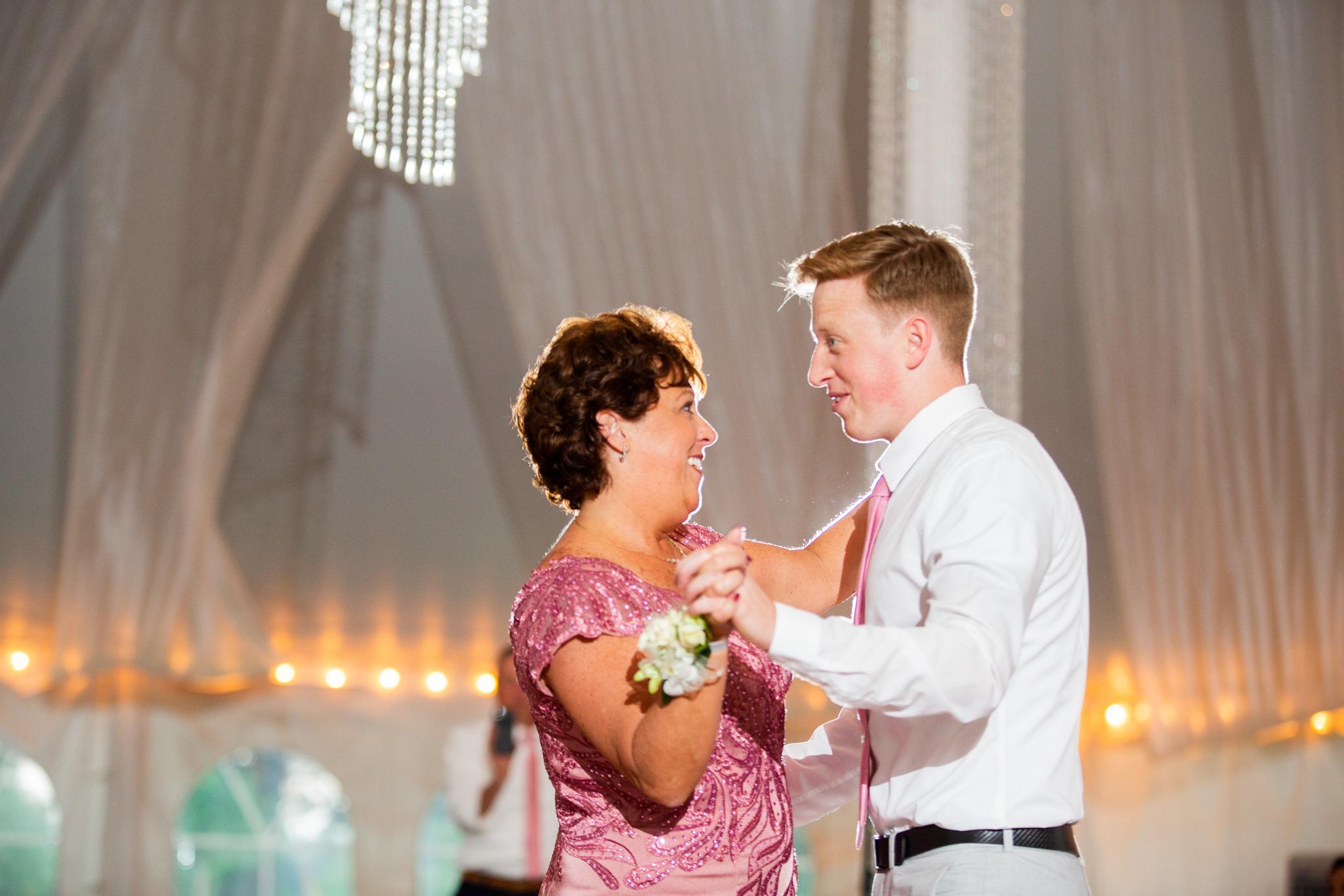 Avanti Mansion Wedding Buffalo-0081.jpg
