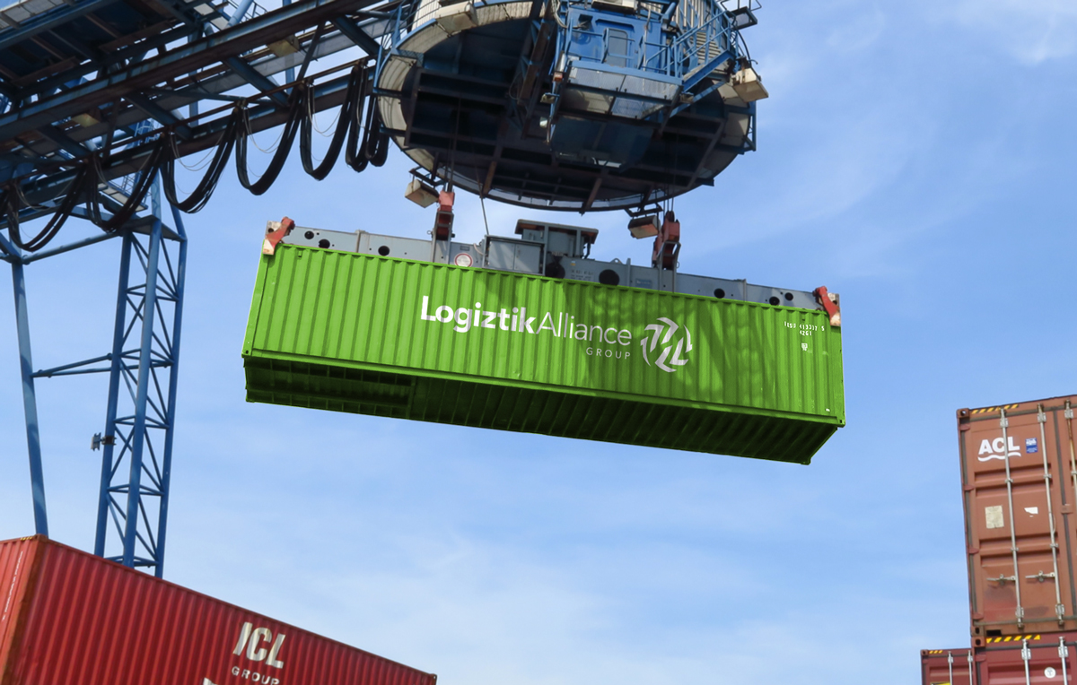 Logotipo aplicado en container
