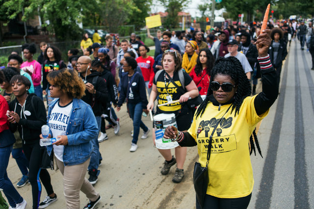 Photos: Grocery Walk Brings Out Hundreds Of People In Ward 8, Dcist