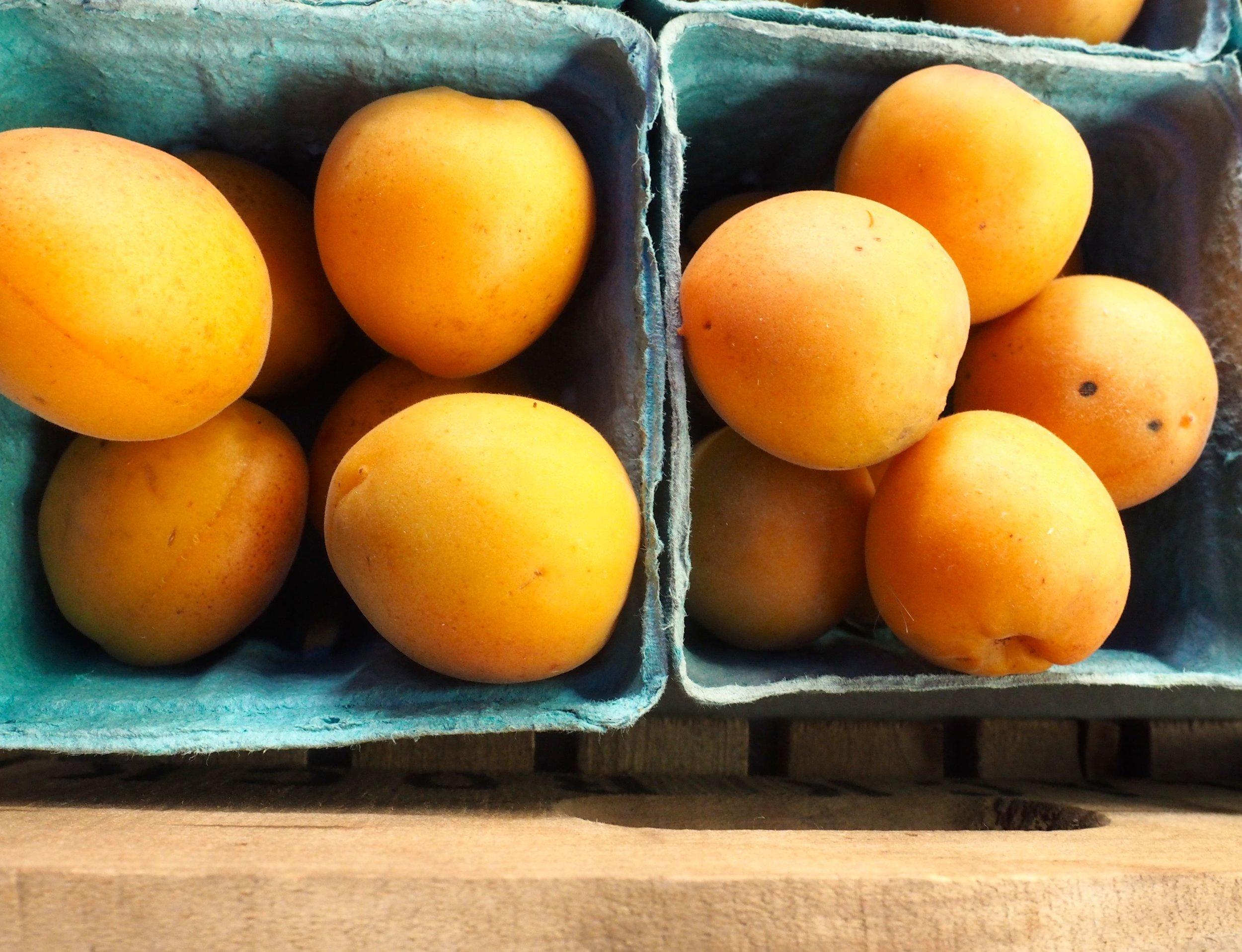 Apricots FRESHFARM Penn Quarter 2015.jpg