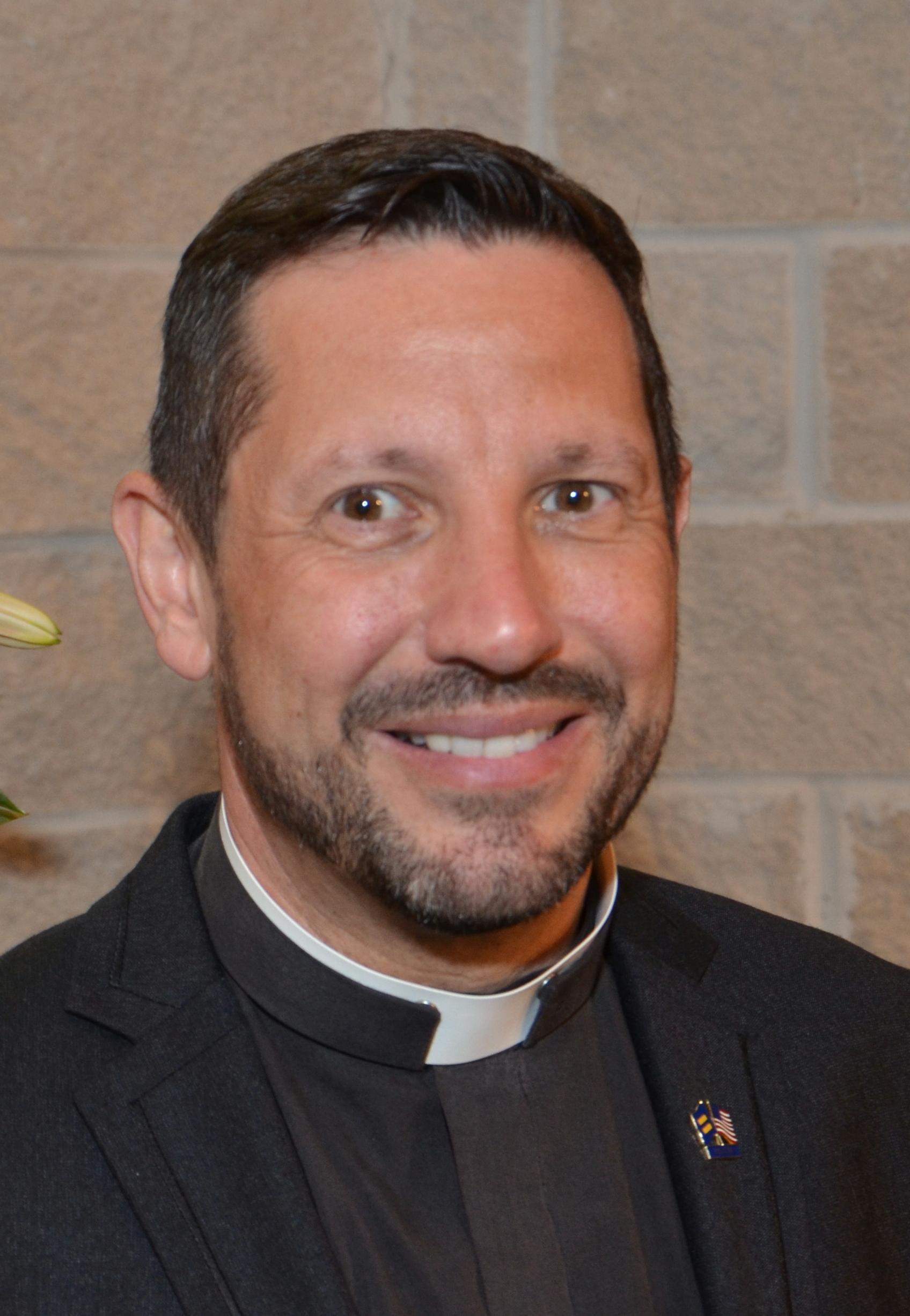 Rev Neil Cazares-Thoms.JPG