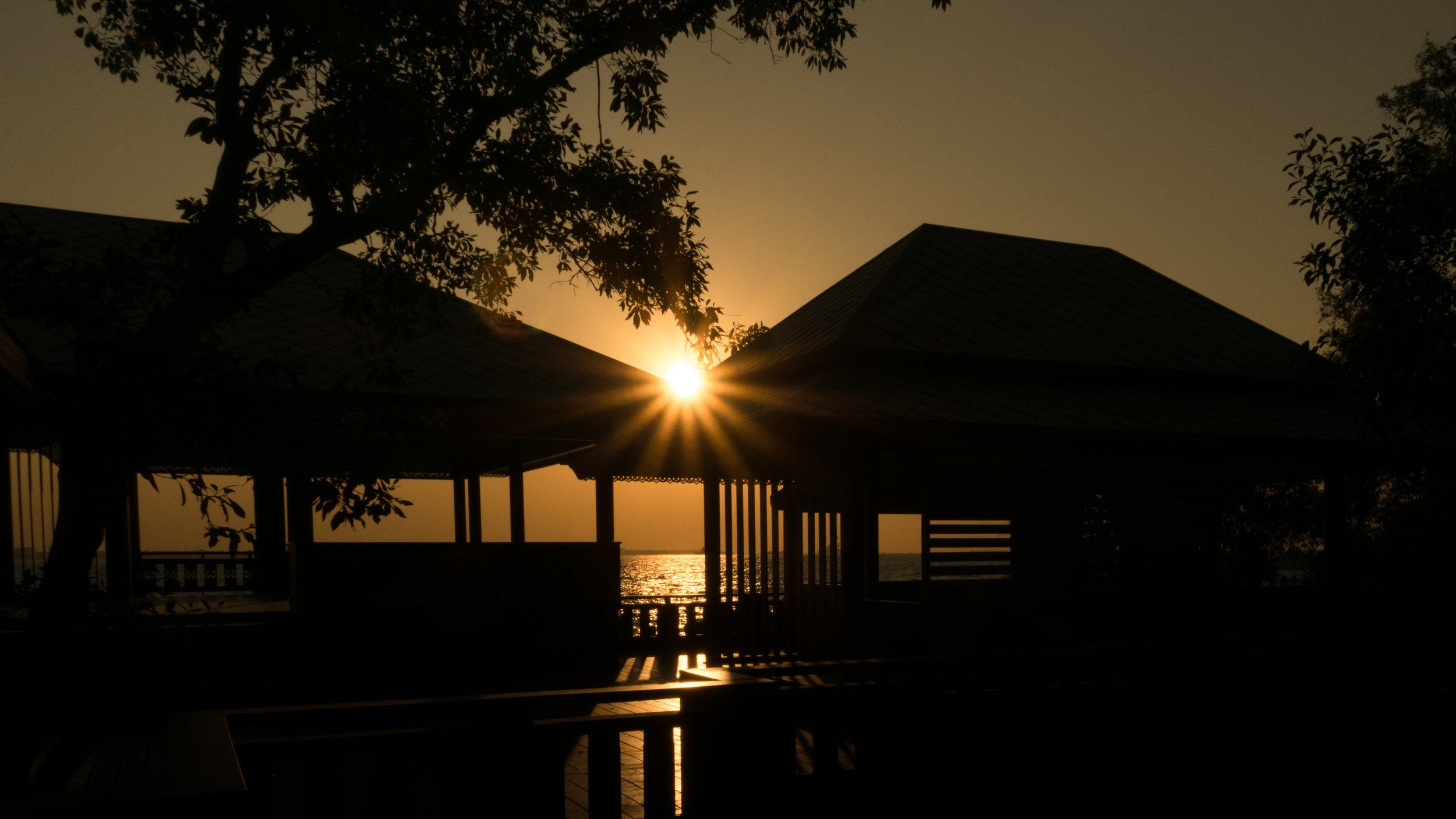 Chao Phraya River Sunrise (2).jpg