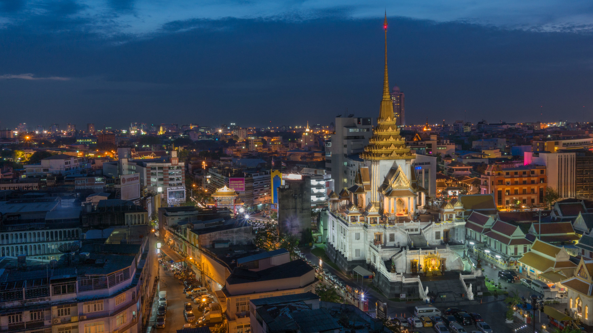 Wat Traimit - Temple of Golden Buddha.jpg