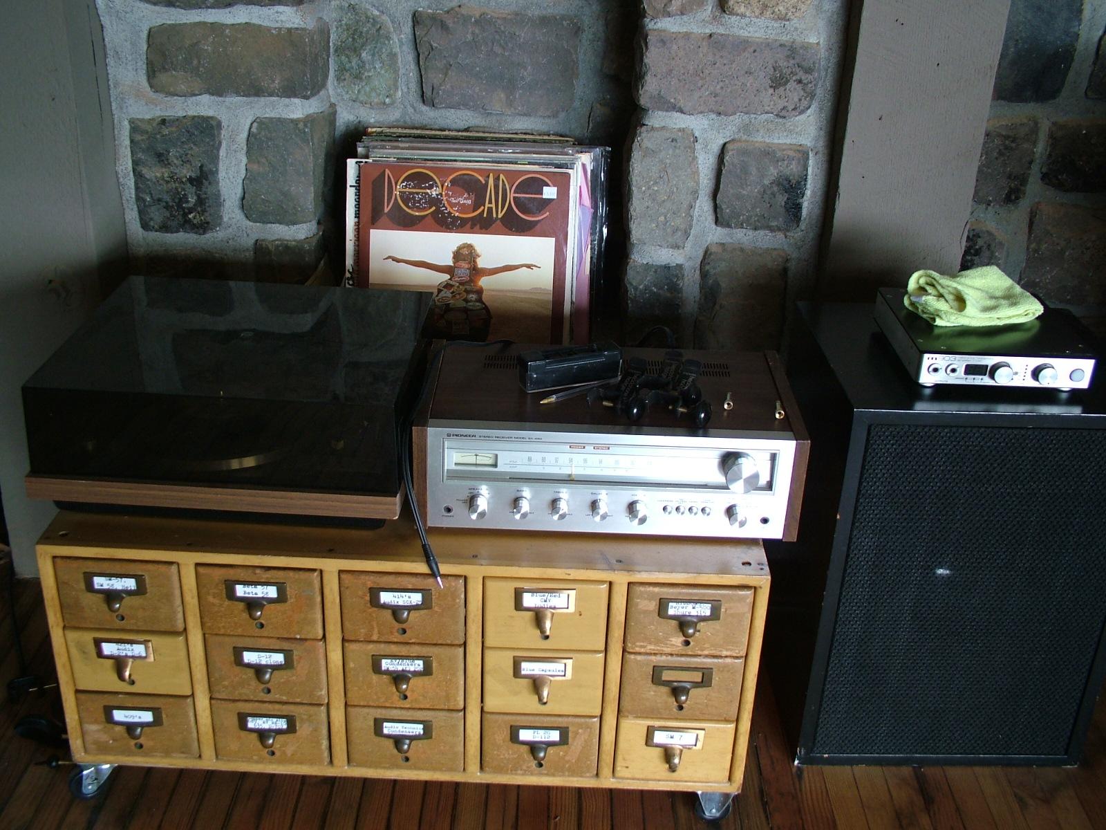 The vintage vinyl hi-fi entertainment system. Sorry, no TV.