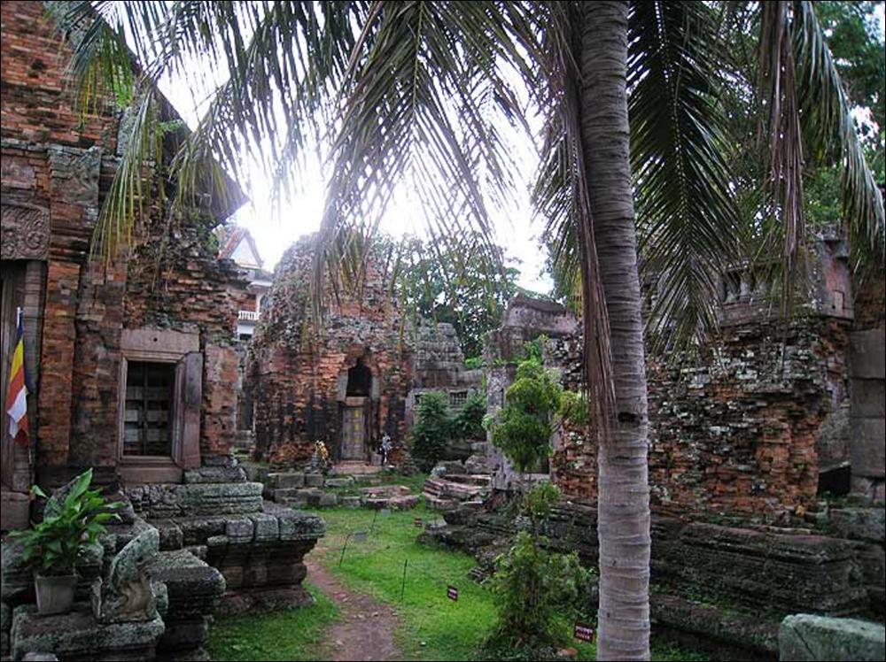 Cambodia_Four_3.jpg