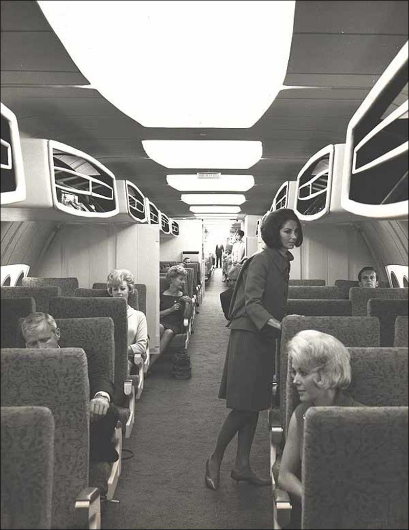 Stewardess_3.jpg