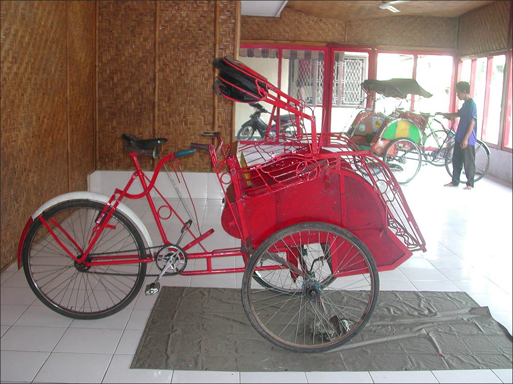 Becak temporary painting and showcase space