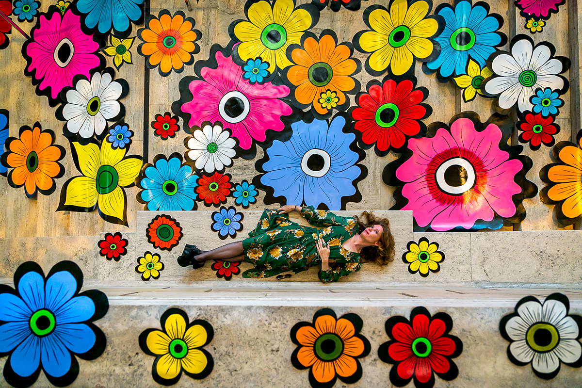 Megan Wilson,  Flower Interruption , installation at the Asian Art Museum, 2017
