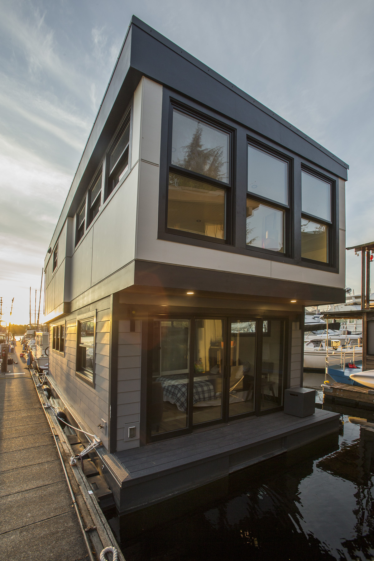 EQUINOX - Our latest luxury houseboat just completed in August of 2019 in Seattle, Washington. Equinox is a 2 story, 915 square foot houseboat. Just put on the market at $699,000. Schedule a tour any time.2540 Westlake Avenue NorthSeattle, WA 98109
