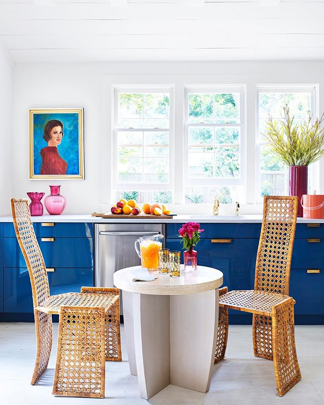 Morning sunshine! Featured in this month's @housebeautiful 📸 @annieschlechter