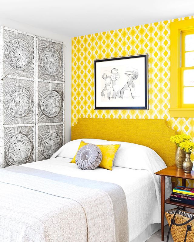 More sunshine from the sunshine house! Check it out this month in @housebeautiful Thank you to @josaltz @sophiedow @d.sperduto 📸 @annieschlechter 🖋 @heykmenz