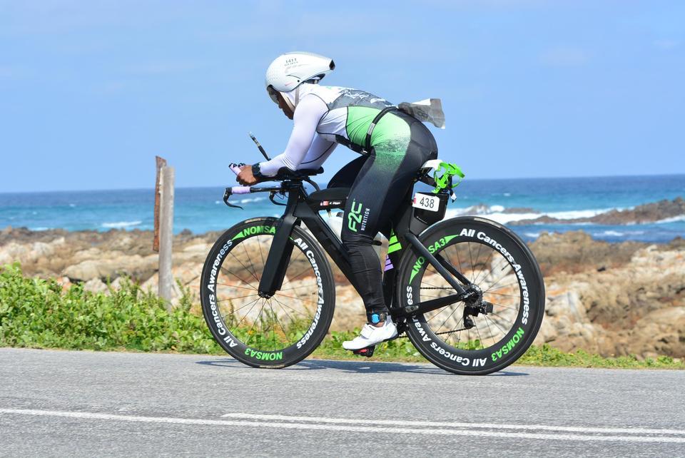 Coach_Terry_Wilson_Pursuit_of_The_Perfect_Race_IRONMAN_70.3_World_Championships_Khadijah_Diggs_Bike_2.JPG