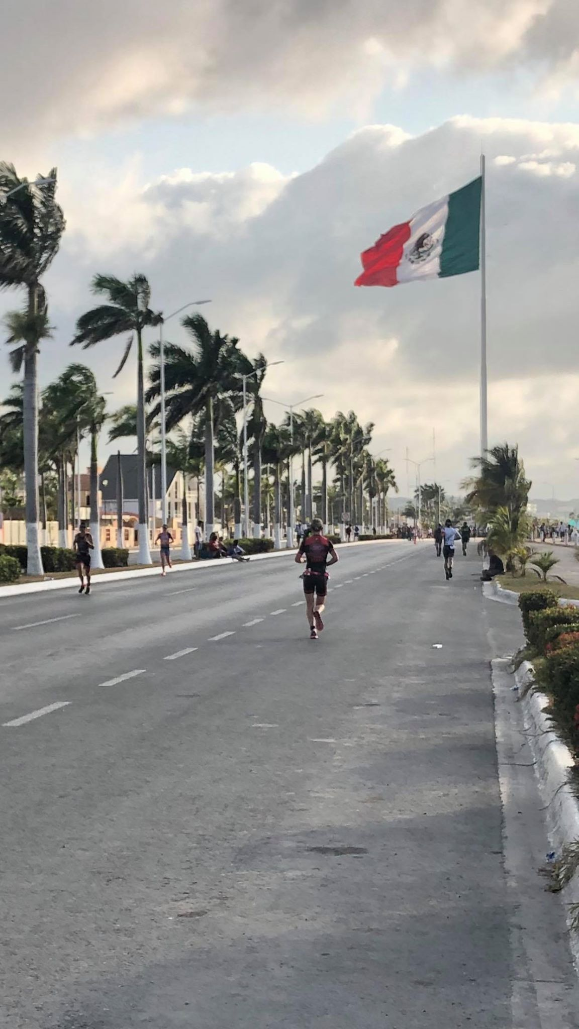 Coach_Terry_Wilson_Pursuit_of_The_Perfect_Race_IRONMAN_Campeche_Danielle_Dingman_10.jpg
