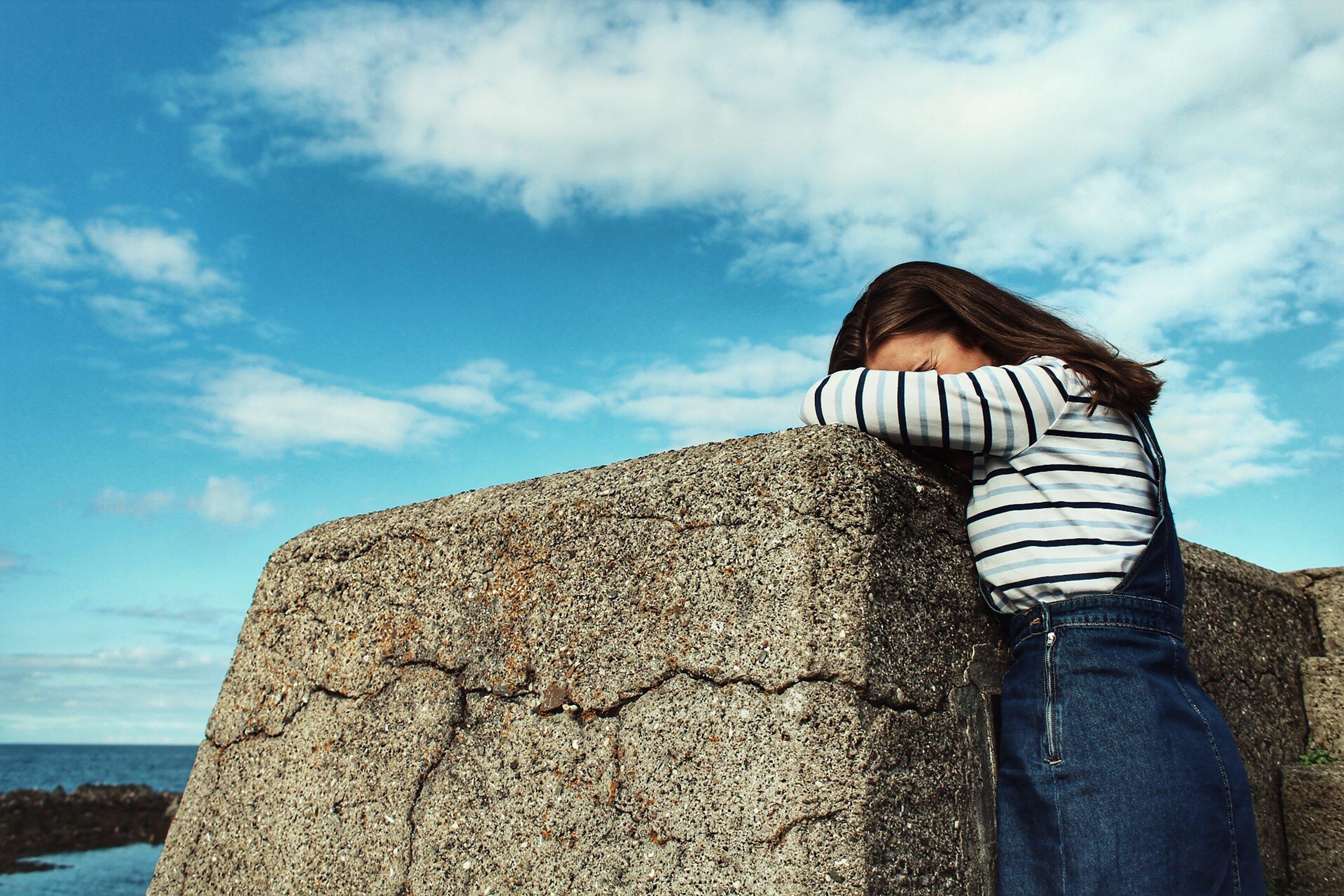 ¿Tiene tu hija/o dificultades emocionales? - Es importante preguntar al colegio: ¿Qué tan accesible es la/el psicóloga/o escolar en caso tal de que mi hija/o lo necesite? ¿Hay comunicación activa con las madres y los padres cuando se necesita?