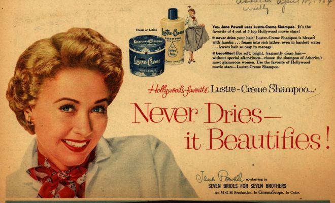 La sociedad se lucra de nuestras inseguridades. - ¿Alguna vez te has puesto a pensar qué sería de las compañías de belleza si todas las mujeres nos amáramos? ¿Qué sería de las clínicas de estéticas y dietas? Estarían en quiebra. Y eso no es rentable. Por esta razón, tienen que hacernos sentir inseguras sobre nosotras mismas para seguir comprando sus productos. Ojo, no digo que usar rubor o un lápiz labial de vez en cuando no sea algo que no podamos hacer, pero cuando dependemos de estos productos para sentirnos bien con nosotras mismas es por qué quizás algo no está muy sano internamente. Mientras más nos queremos, más precavidas somos en estas compras.