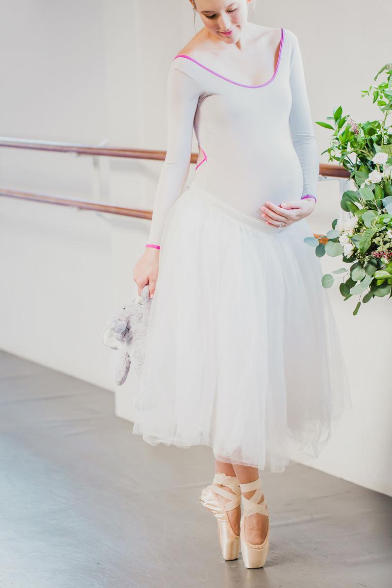 poppyhillflowers.com | Ballerina Maternity Floral Shoot | Poppyhill Flowers | Southern California Wedding Florist and Floral Designer _ (13).jpg