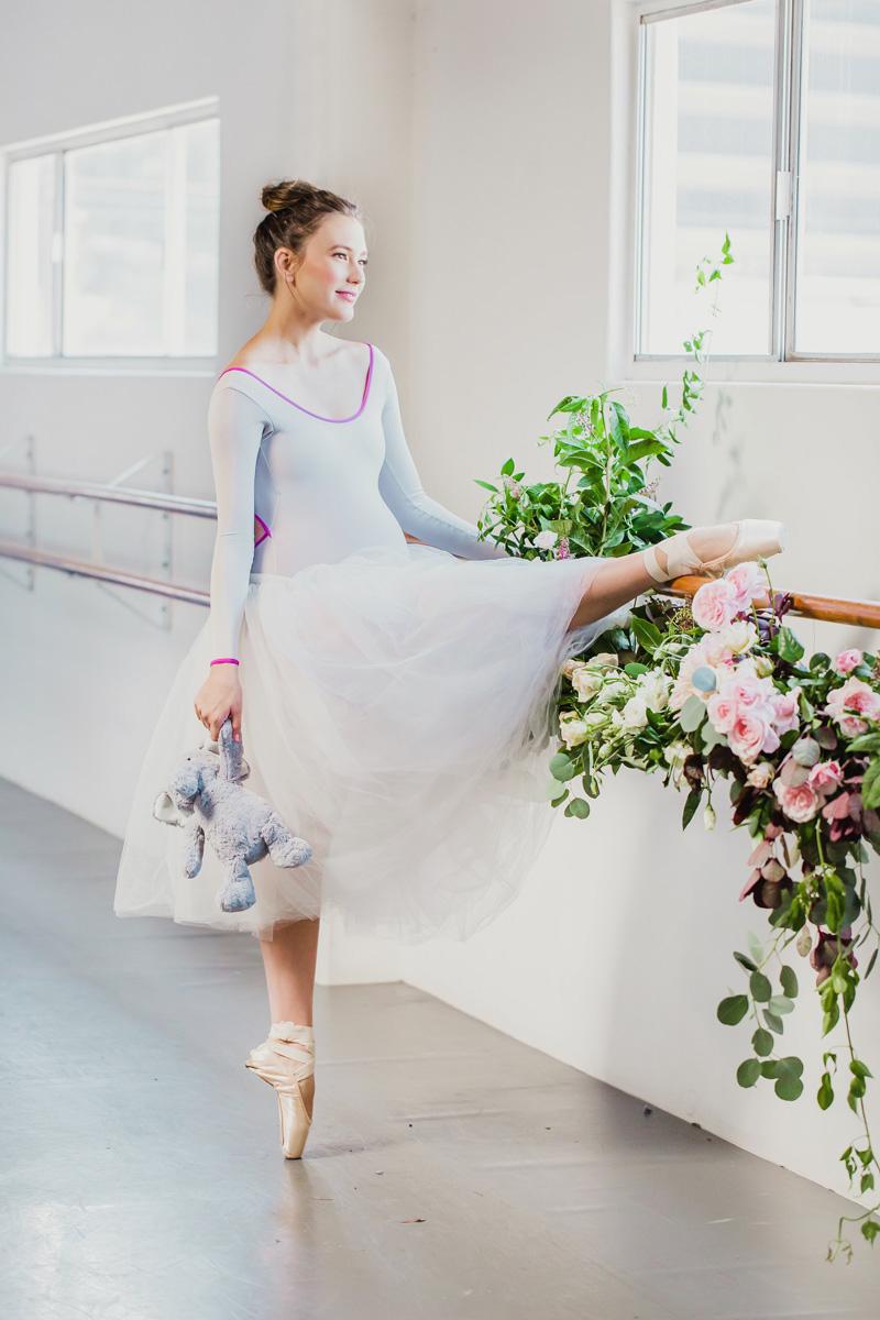 poppyhillflowers.com | Ballerina Maternity Floral Shoot | Poppyhill Flowers | Southern California Wedding Florist and Floral Designer _ (12).jpg