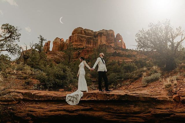 This past weekend I was able to shoot the sweetest couple ever, and make some magic up in Sedona. — Thank you A + W for being the best ever and not being afraid to go on a little adventure with me 🏜