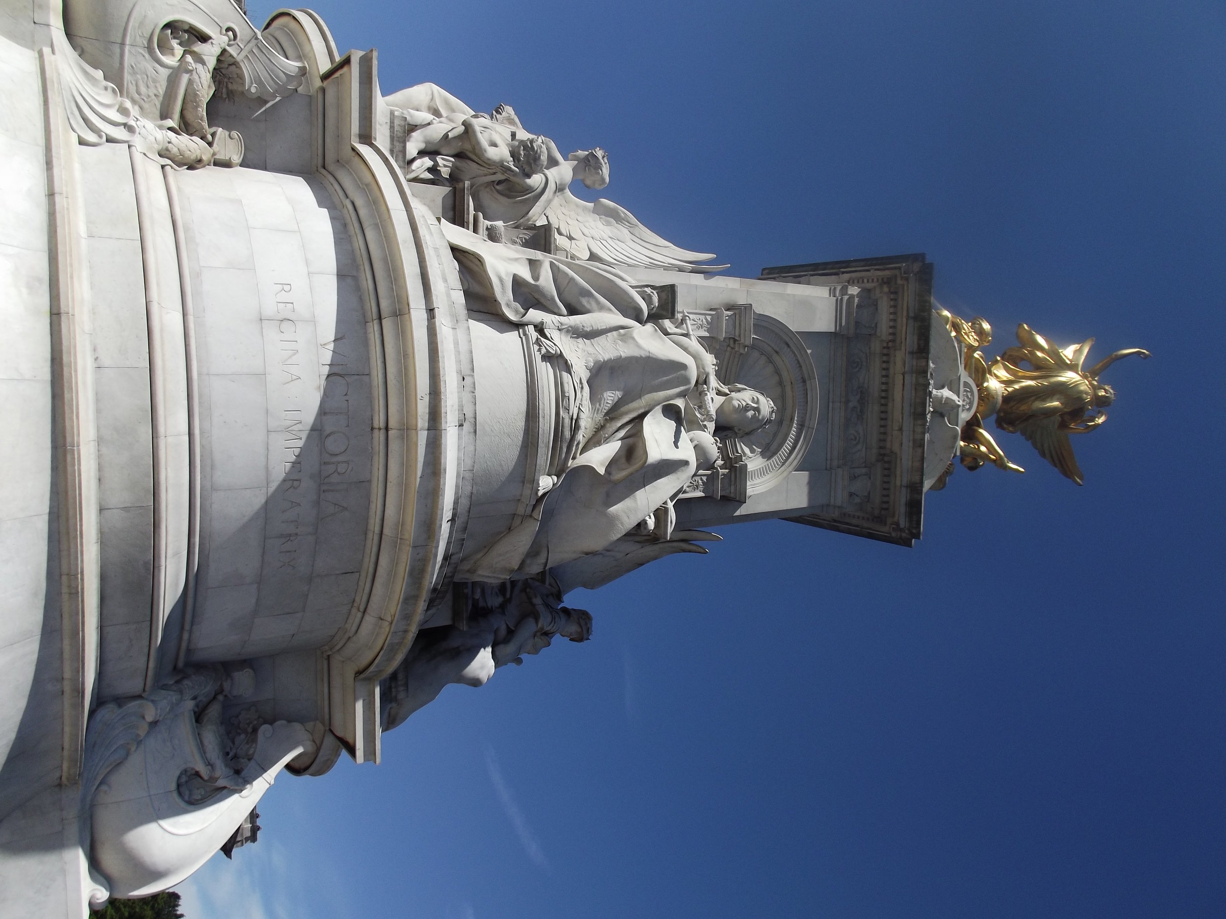 what-to-do-in-london-buckingham-palace3.jpg