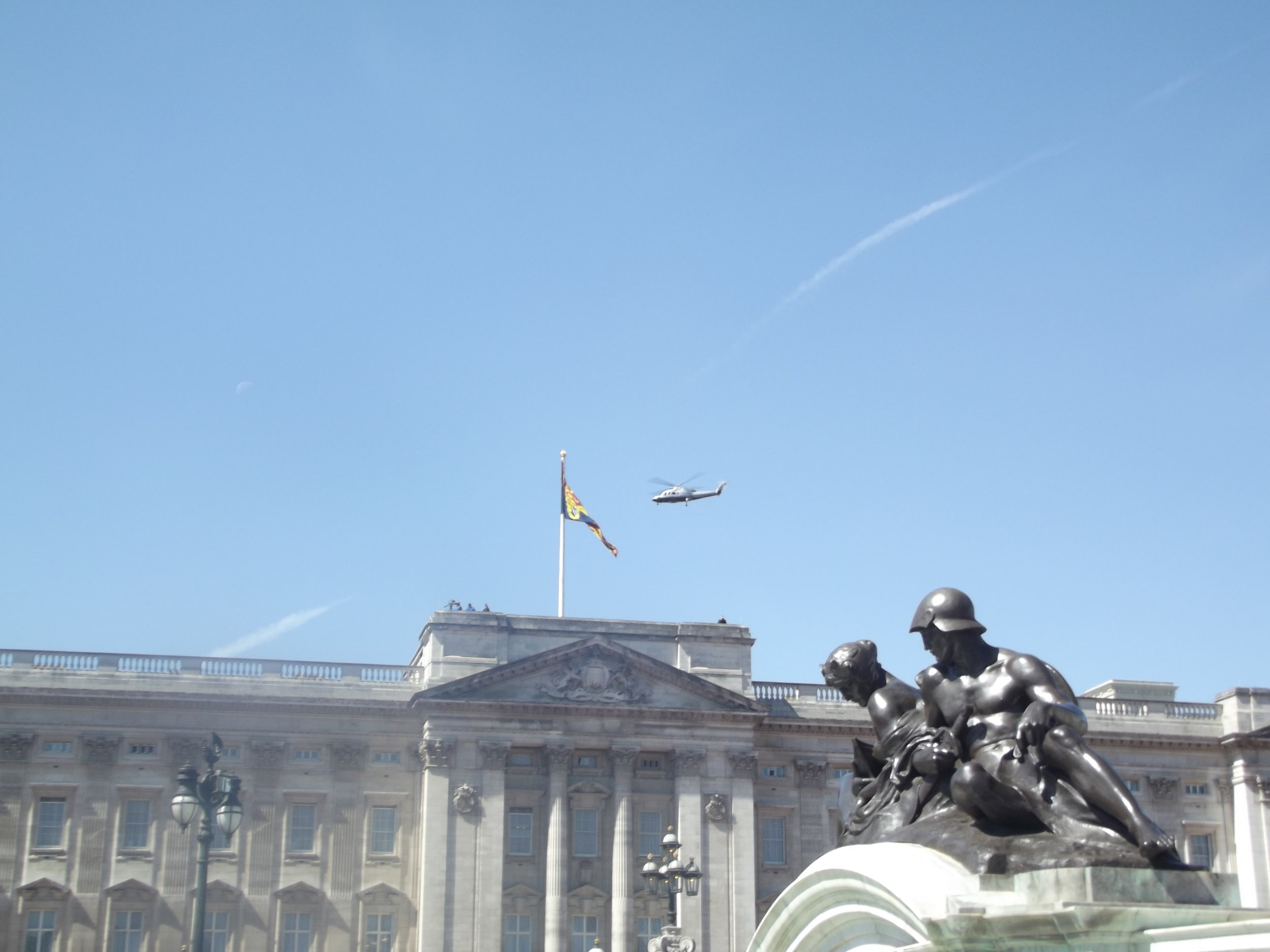 what-to-do-in-london-buckingham-palace7.jpg