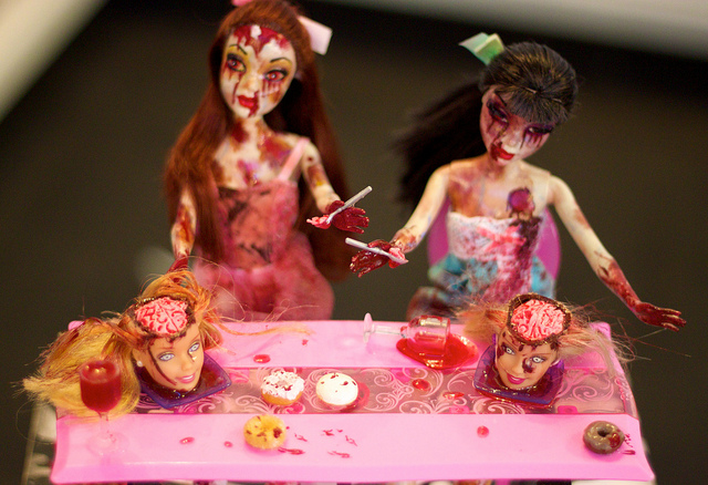 how-to-survive-zombie-barbies.jpg