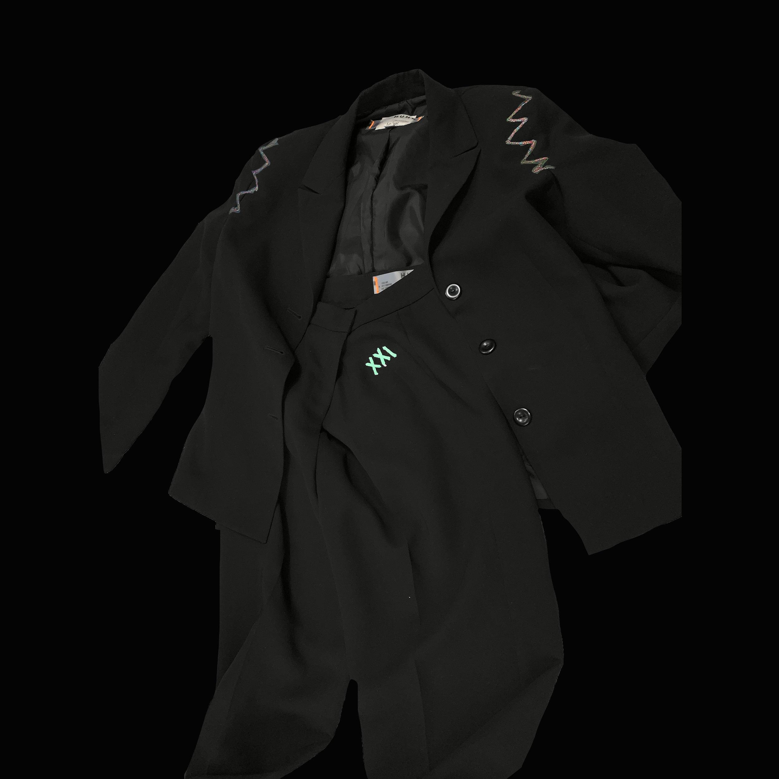 Full Suit 1 copy Squre copy Black.jpg