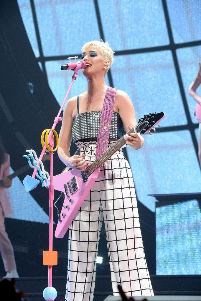 Guitar pink sparkle.jpg
