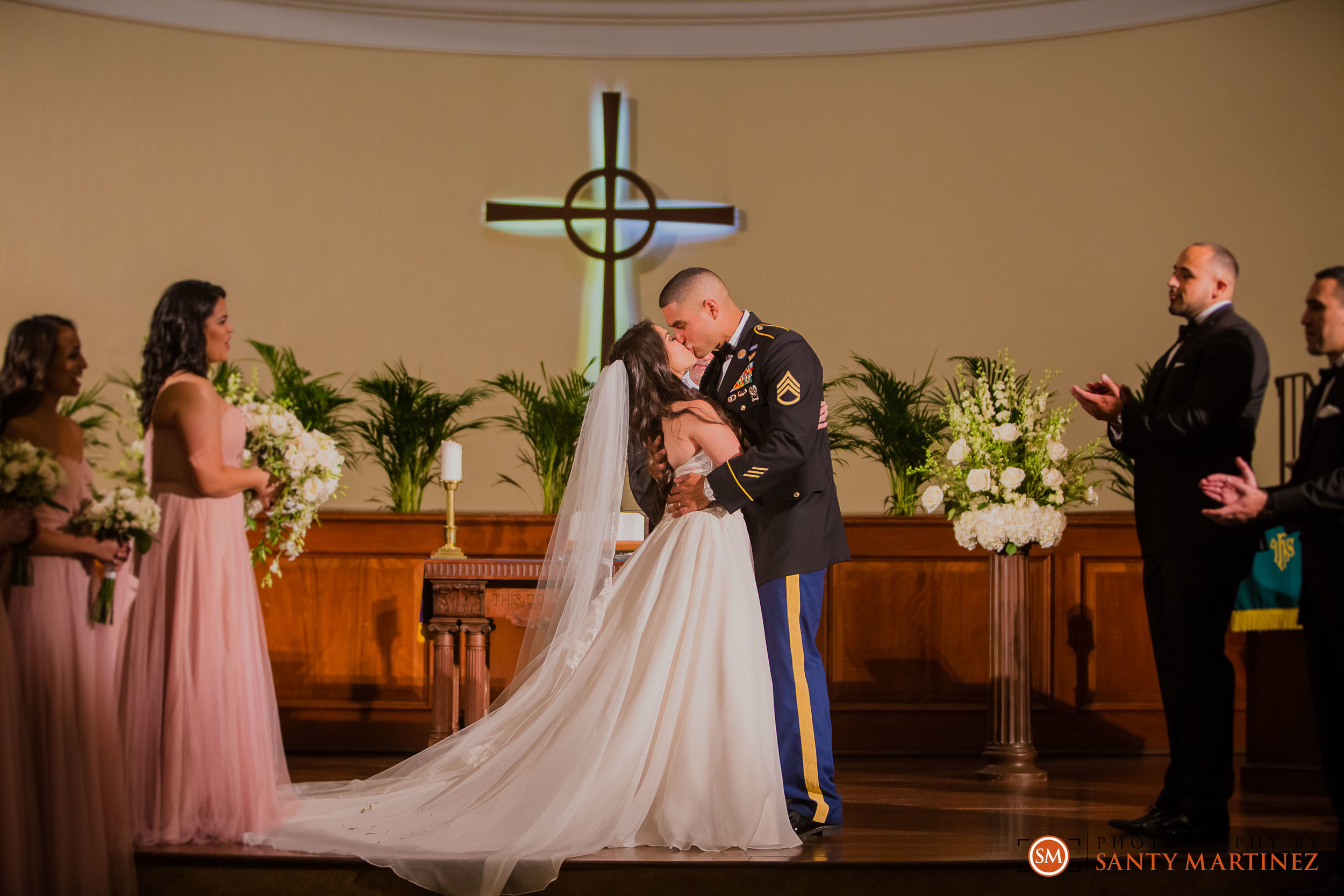Wedding First Miami Presbyterian Church - Photography by Santy Martinez-23.jpg