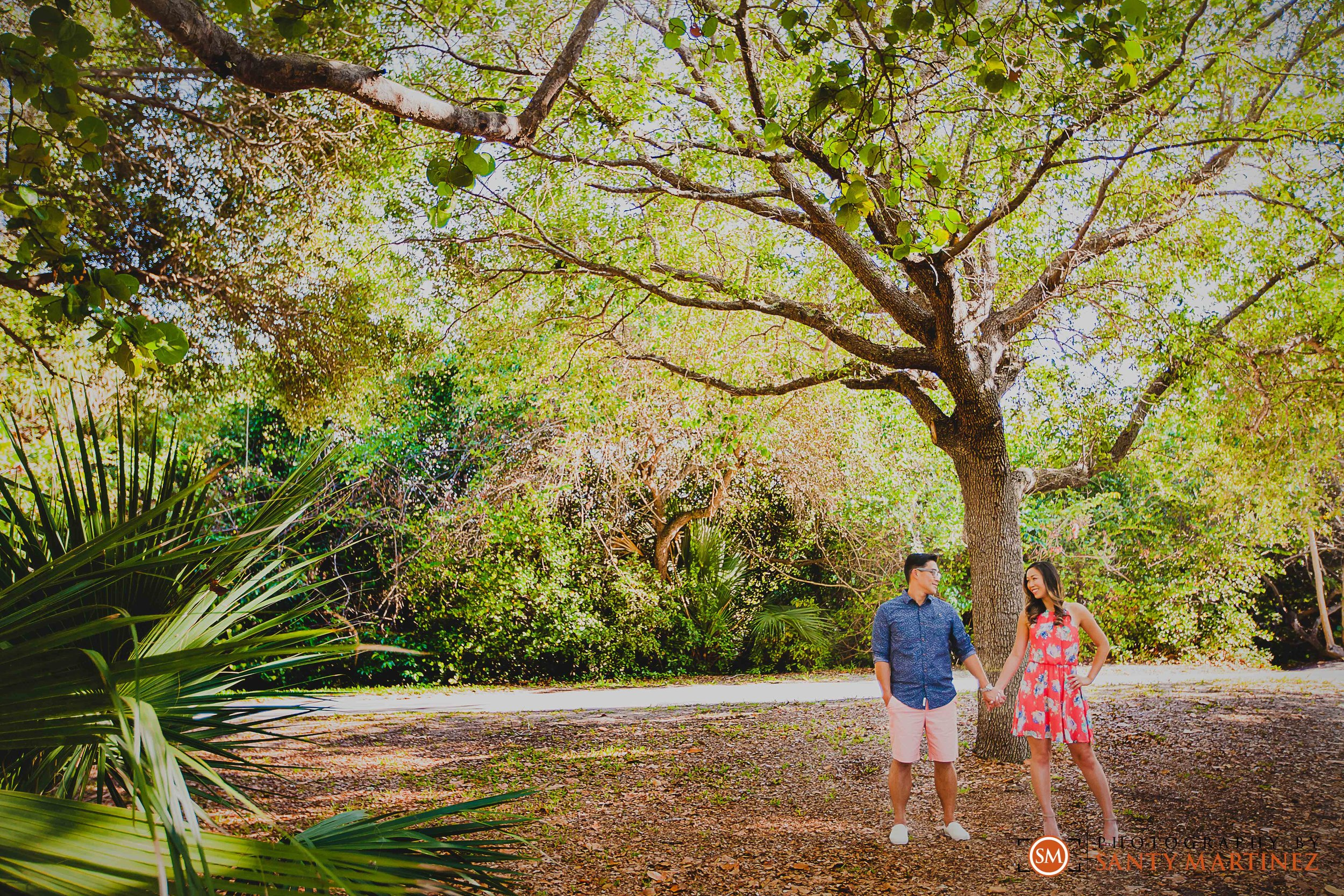 Engagement Session Hugh Taylor Birch State Park - Photography by Santy Martinez-2.jpg