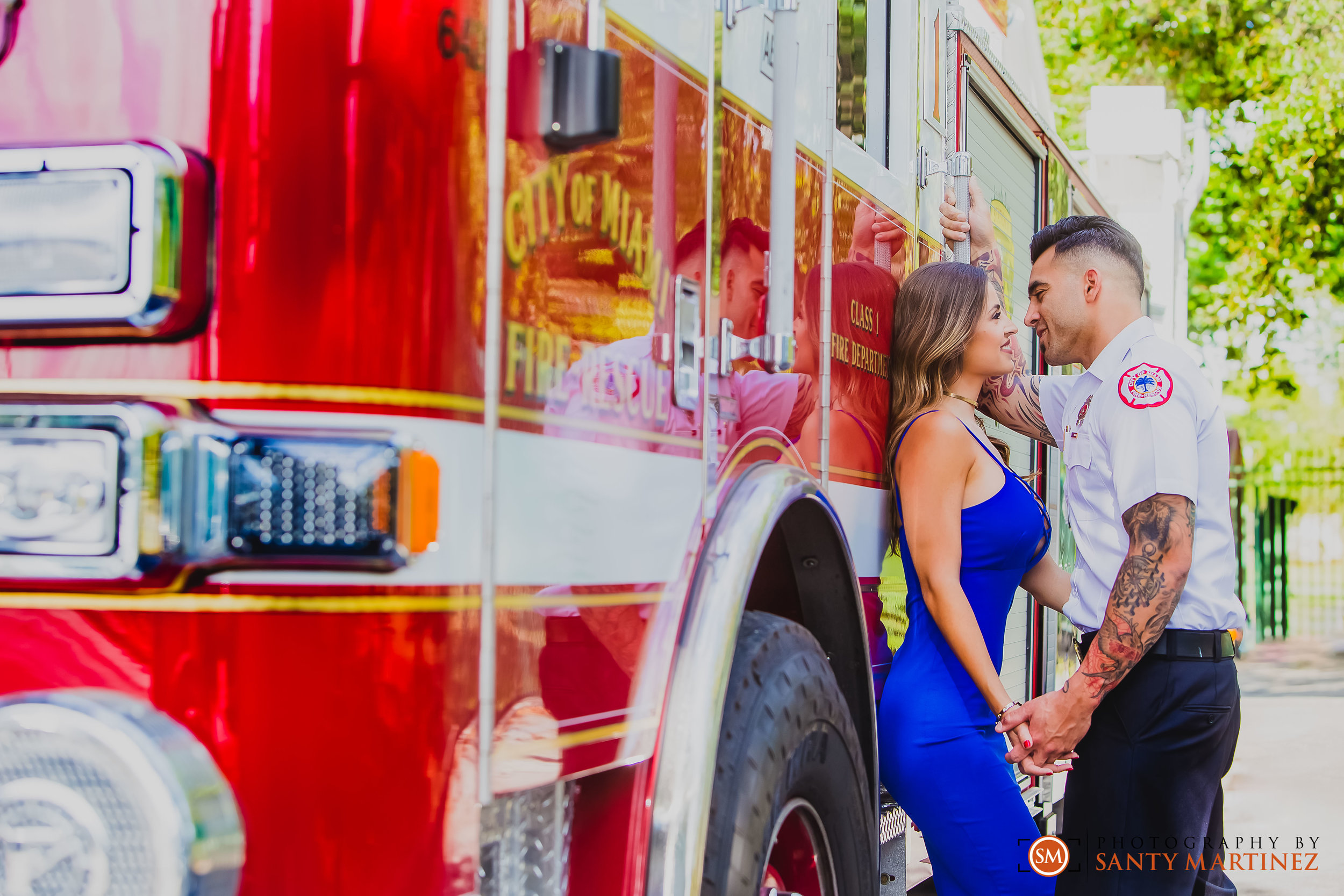 Miami Firefighter Engagement Session - Photography by Santy Martinez-7.jpg