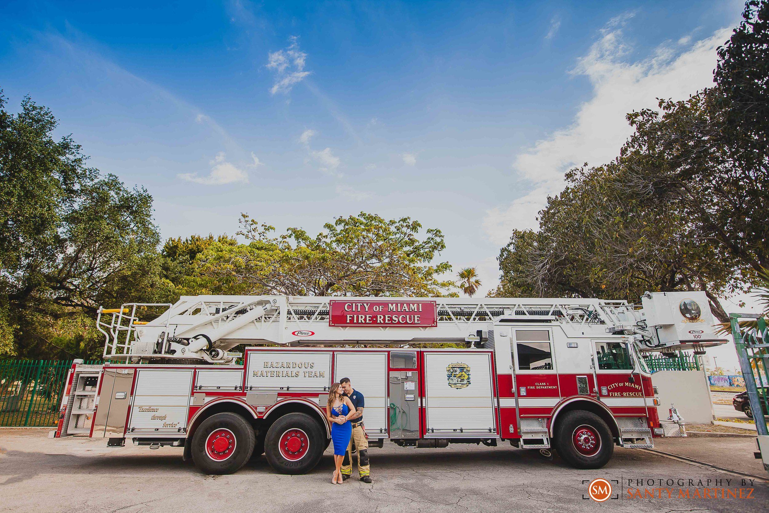 Miami Firefighter Engagement Session - Photography by Santy Martinez-11.jpg