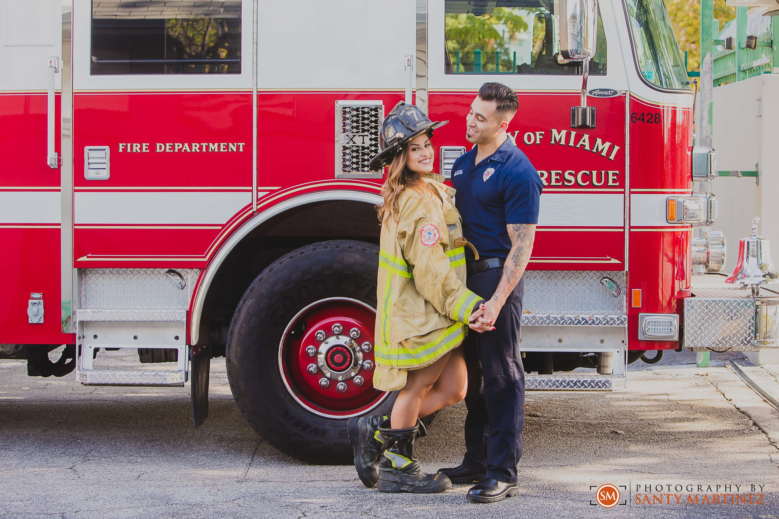 Miami Firefighter Engagement Session - Photography by Santy Martinez-14.jpg