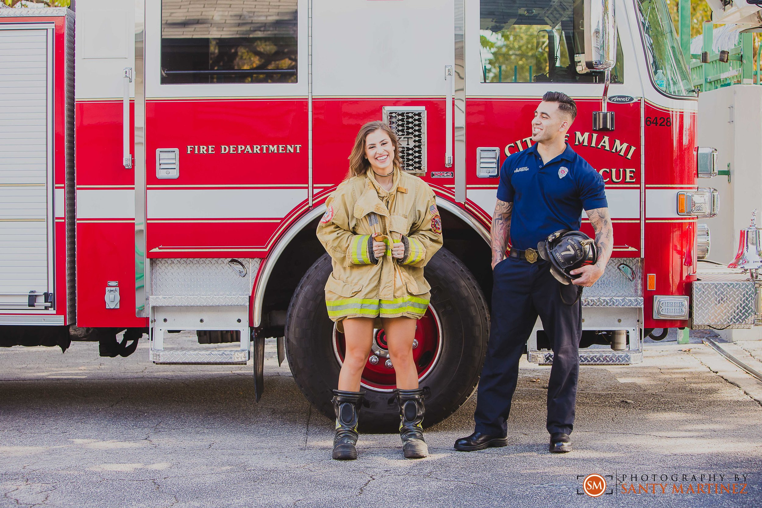 Miami Firefighter Engagement Session - Photography by Santy Martinez-13.jpg