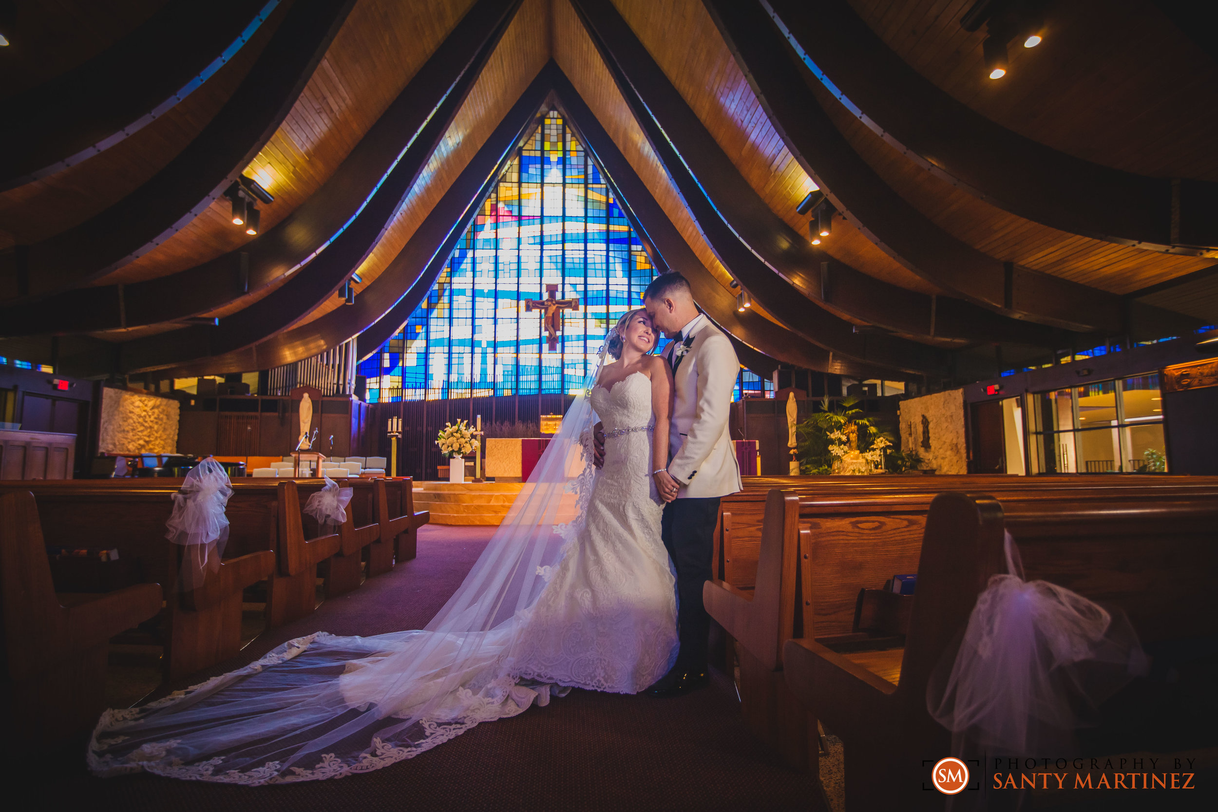 Wedding - St Hugh Catholic Church - Rusty Pelican - Key Biscayne - Photography by Santy Martinez-26.jpg