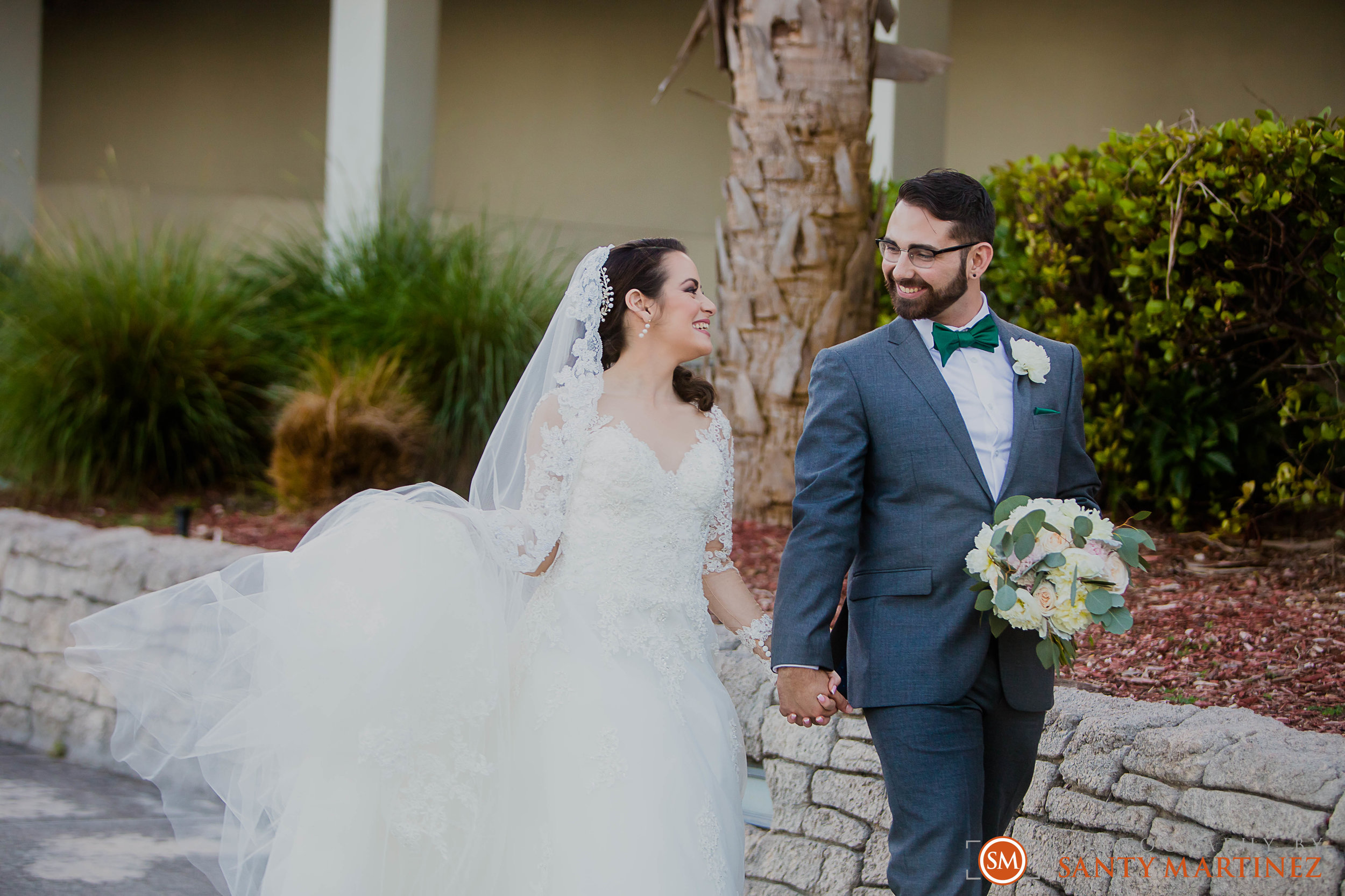 Wedding - Fairways - Crandon Park - Santy Martinez-19.jpg