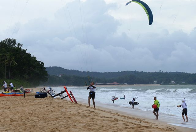 Get ready everyone 9 days more to go 😀 . . . . #behindthescenes  #photooftheday  #beautifuldestinations  #bestoftheday  #hydrofoiling  #asia  #action  #malaysia  #sports  #kiteboarding  #travelblogger  #travel  #extreme