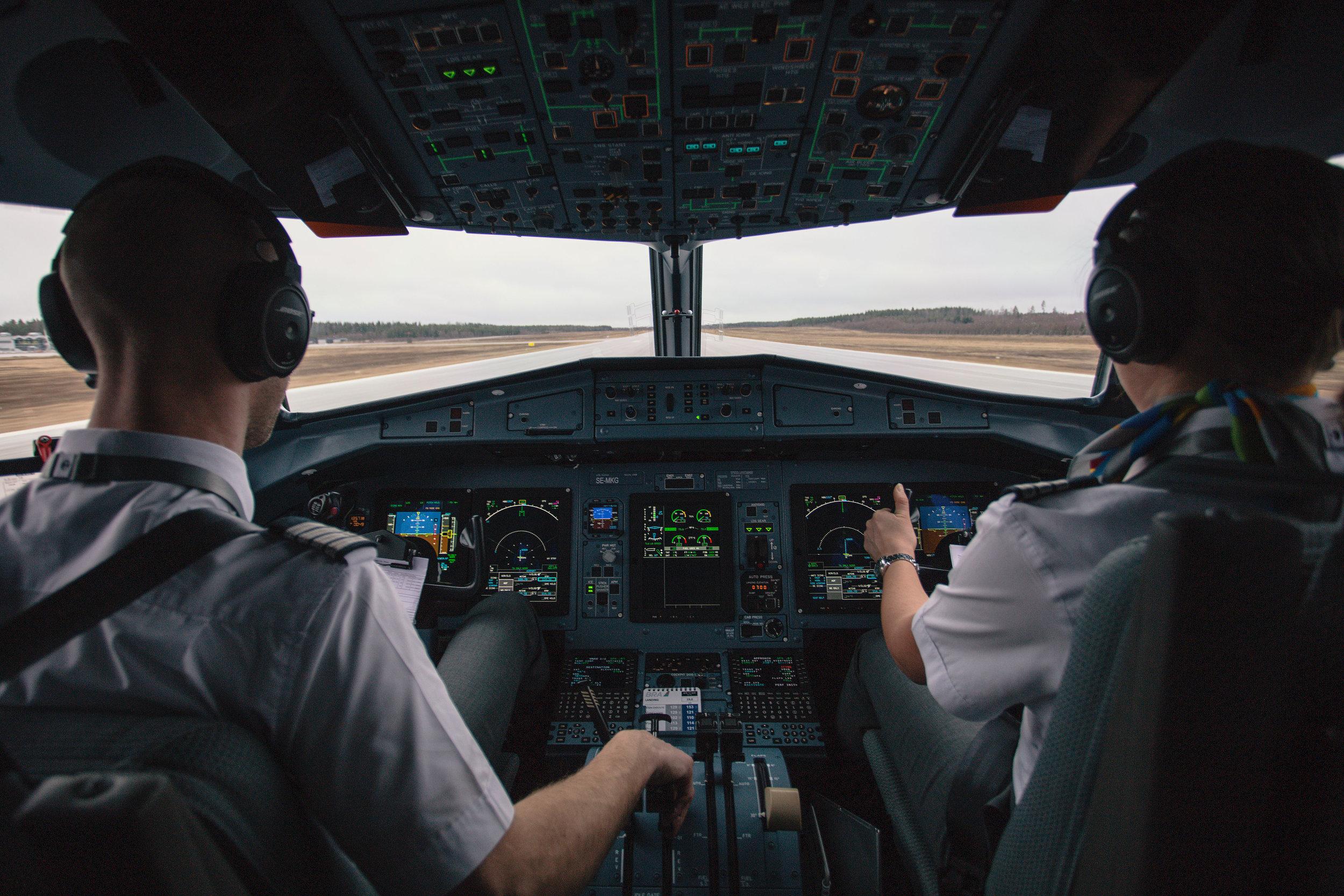 pilotscockpit.jpg
