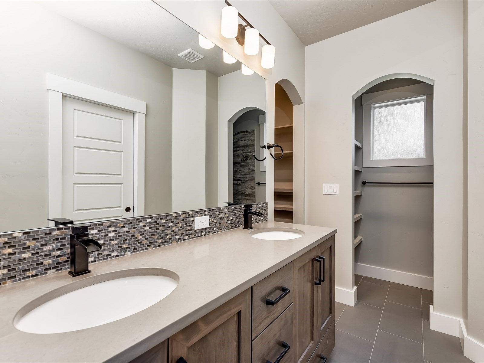 029_Master Bathroom .jpg