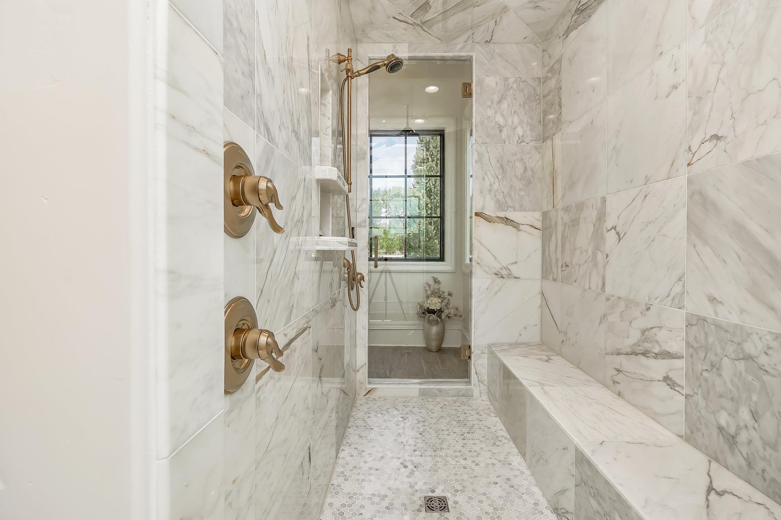 061_Master Bathroom .jpg