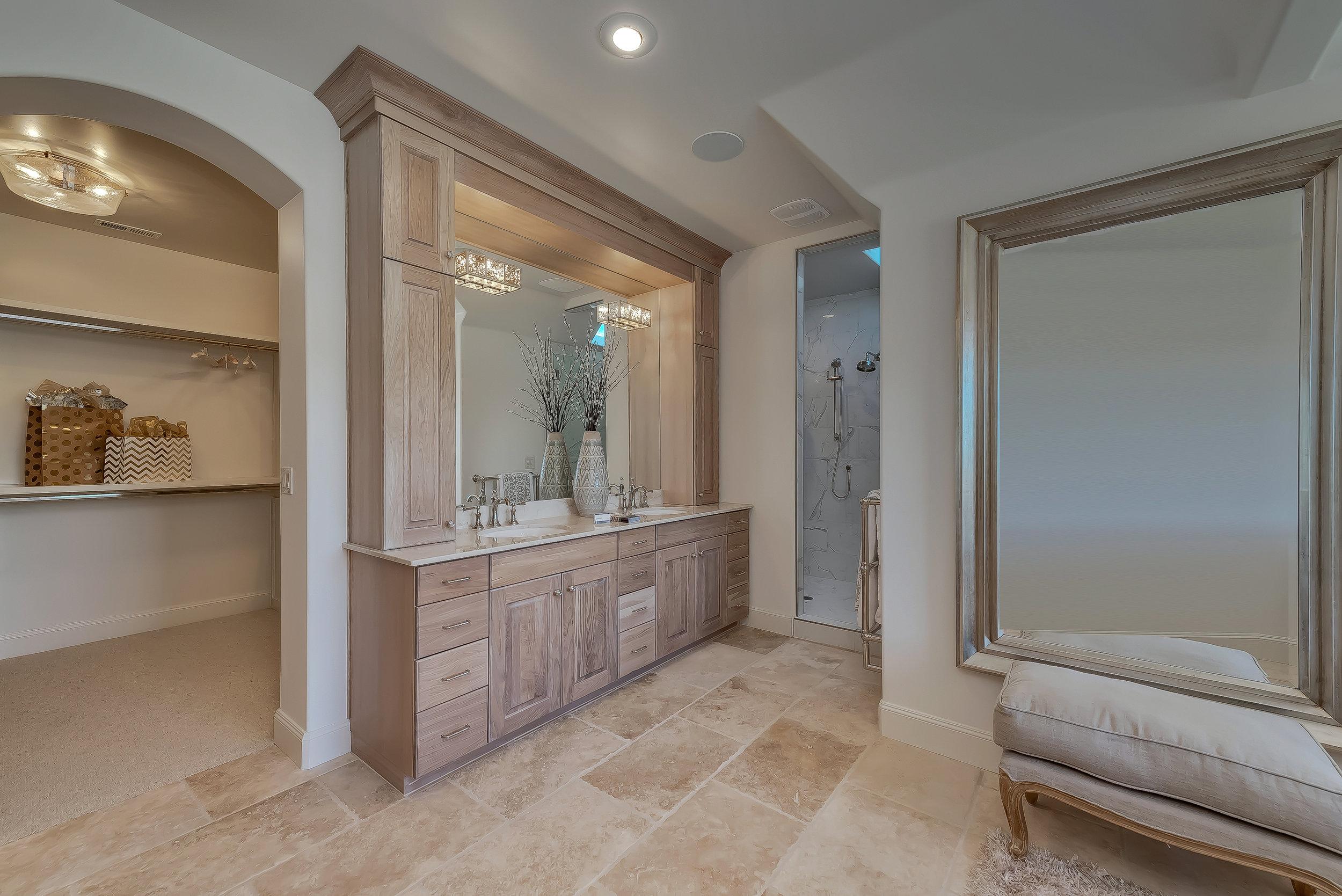 042_Master Bathroom .jpg