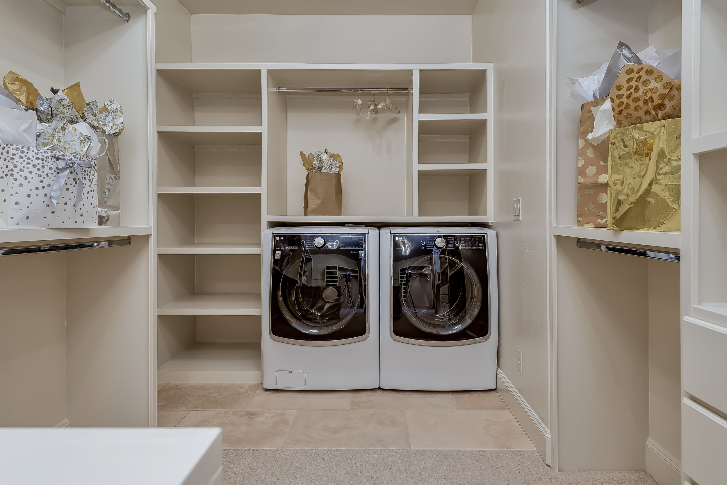 046_Master Laundry.jpg