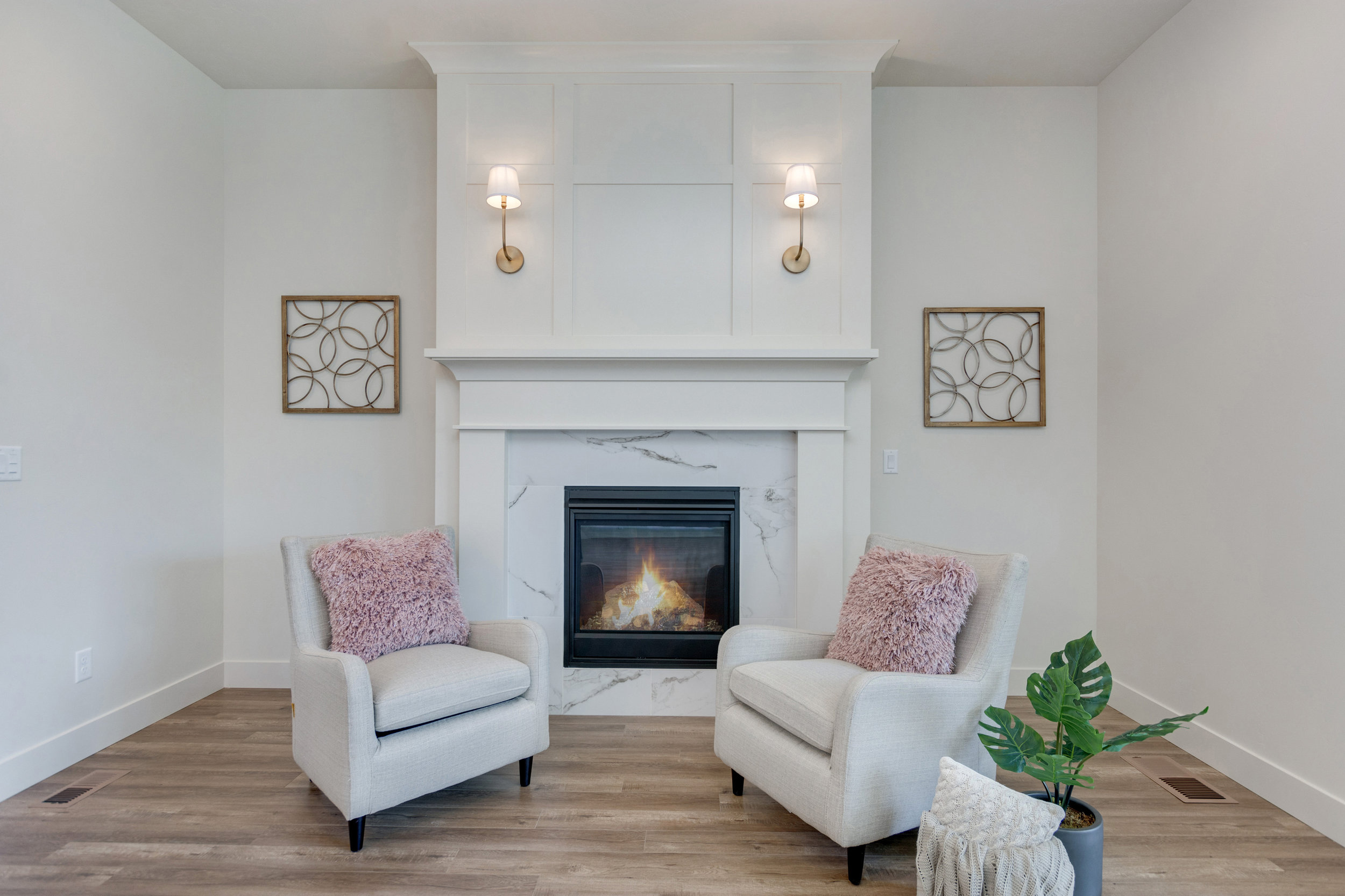 08-Fireplace.jpg