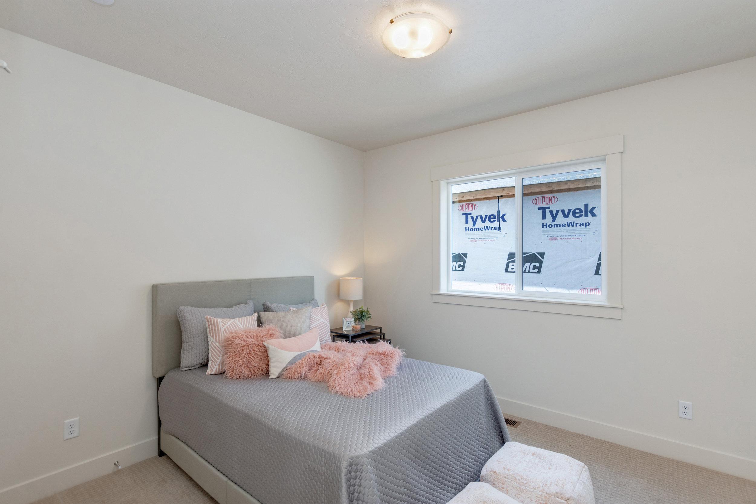 30-Bedroom.jpg