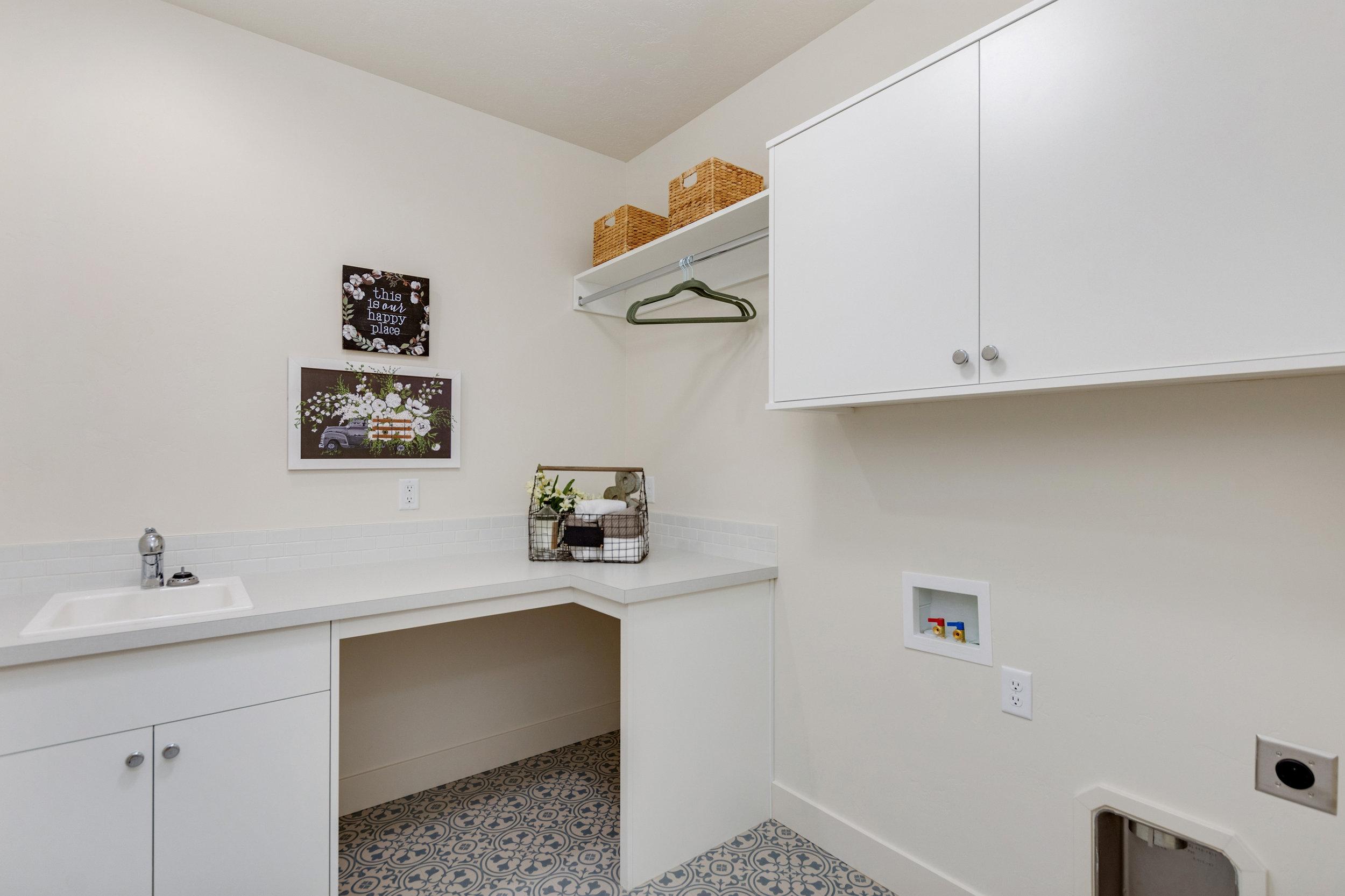 34-Laundry Room.jpg