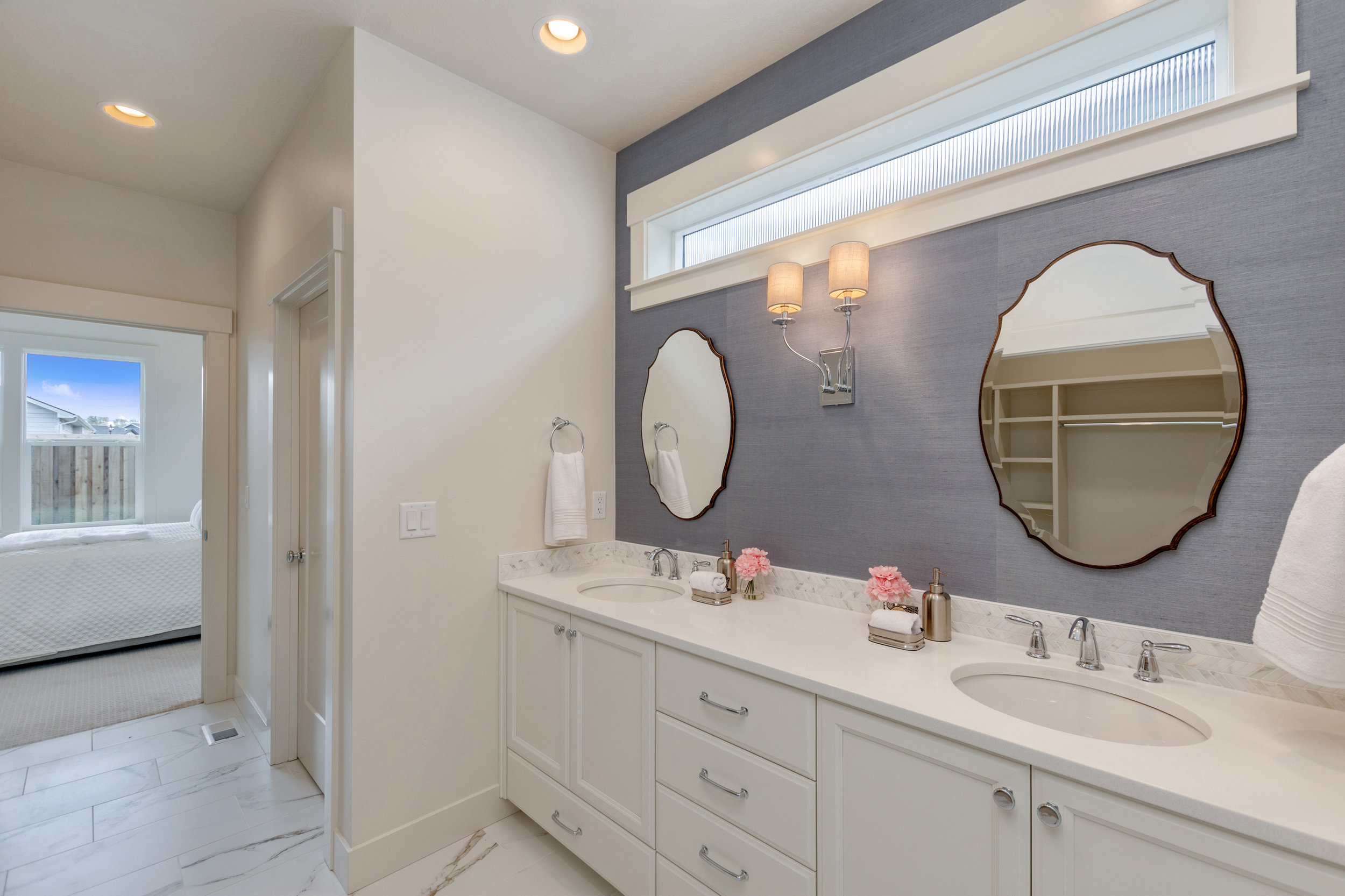 40-Master Bathroom.jpg