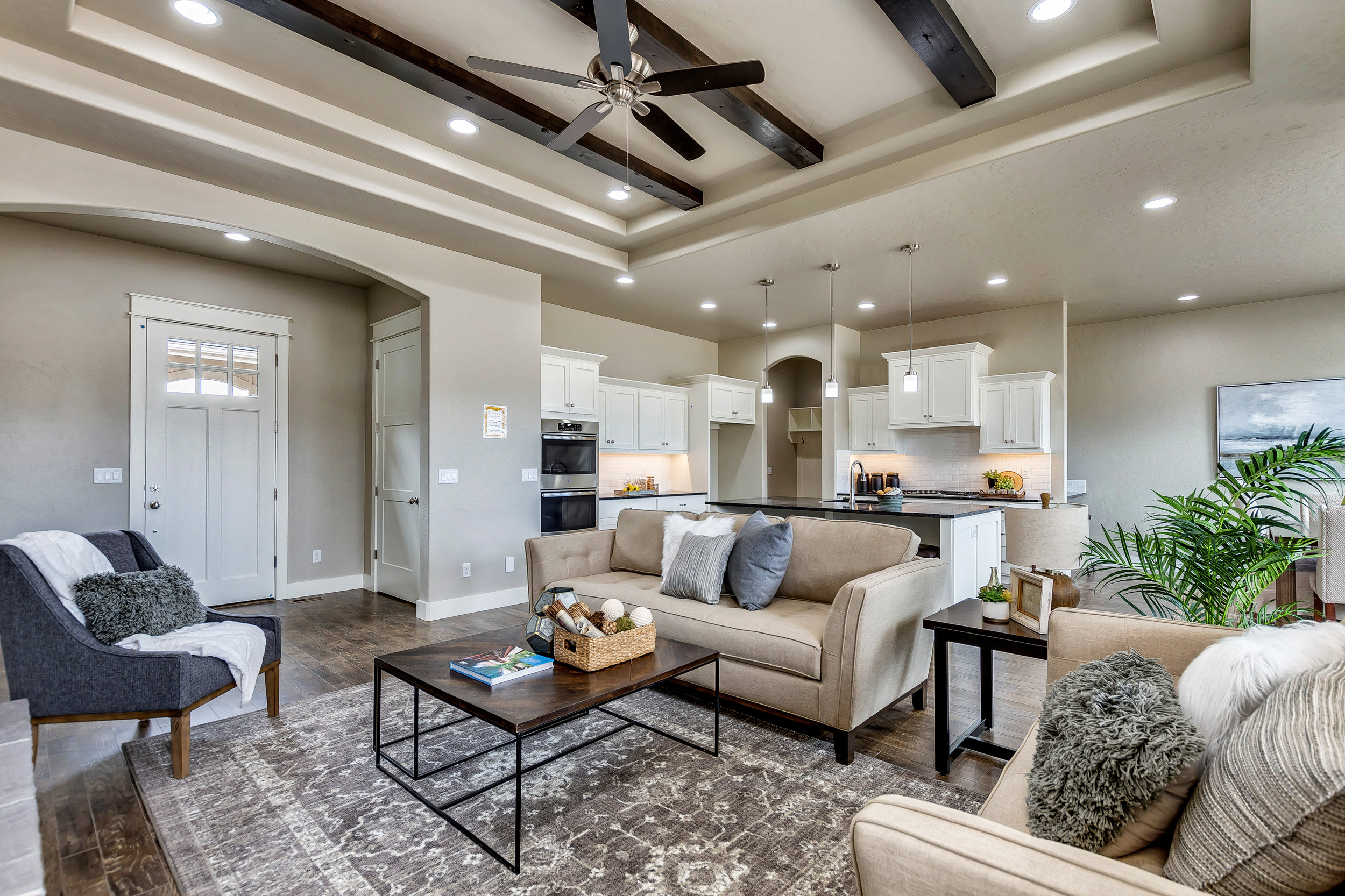 10-Living area.jpg