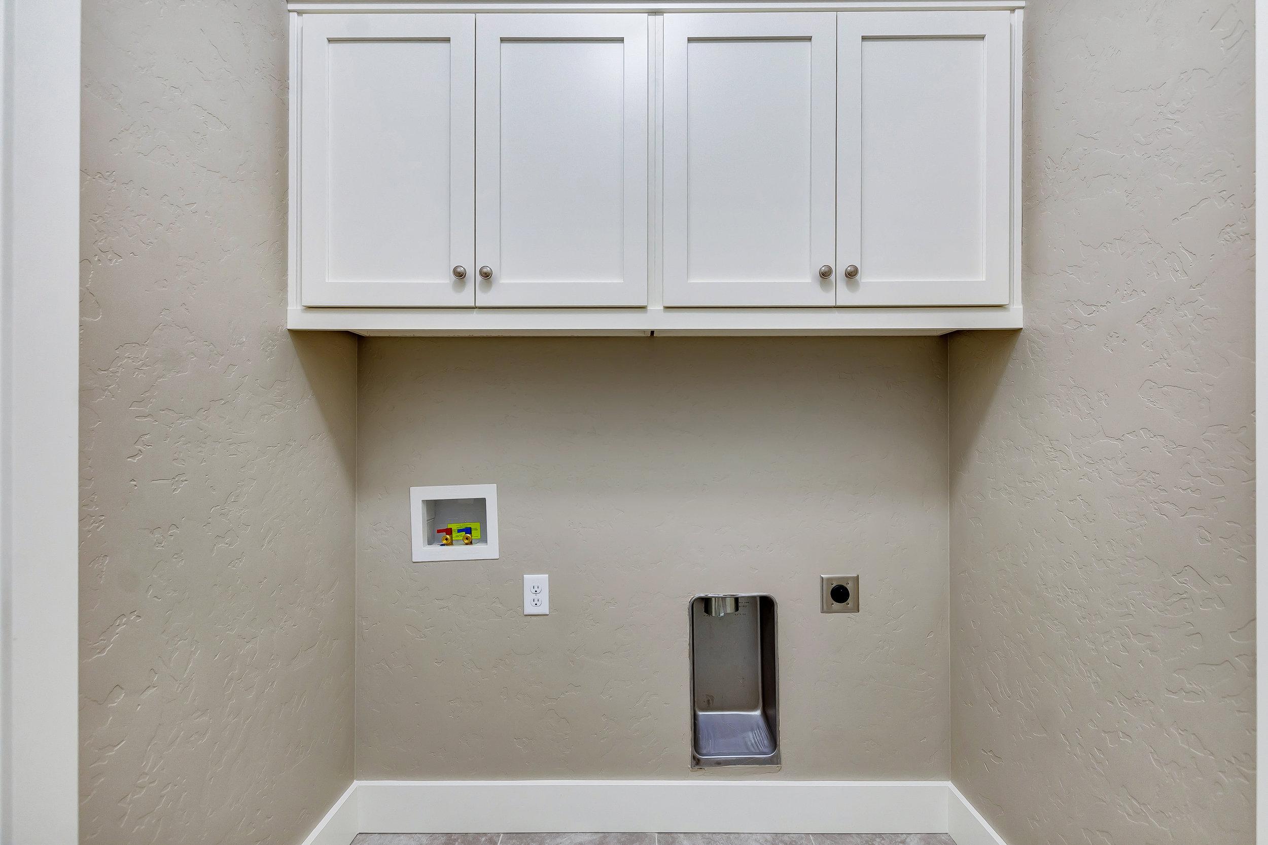 28-Laundry Room.jpg