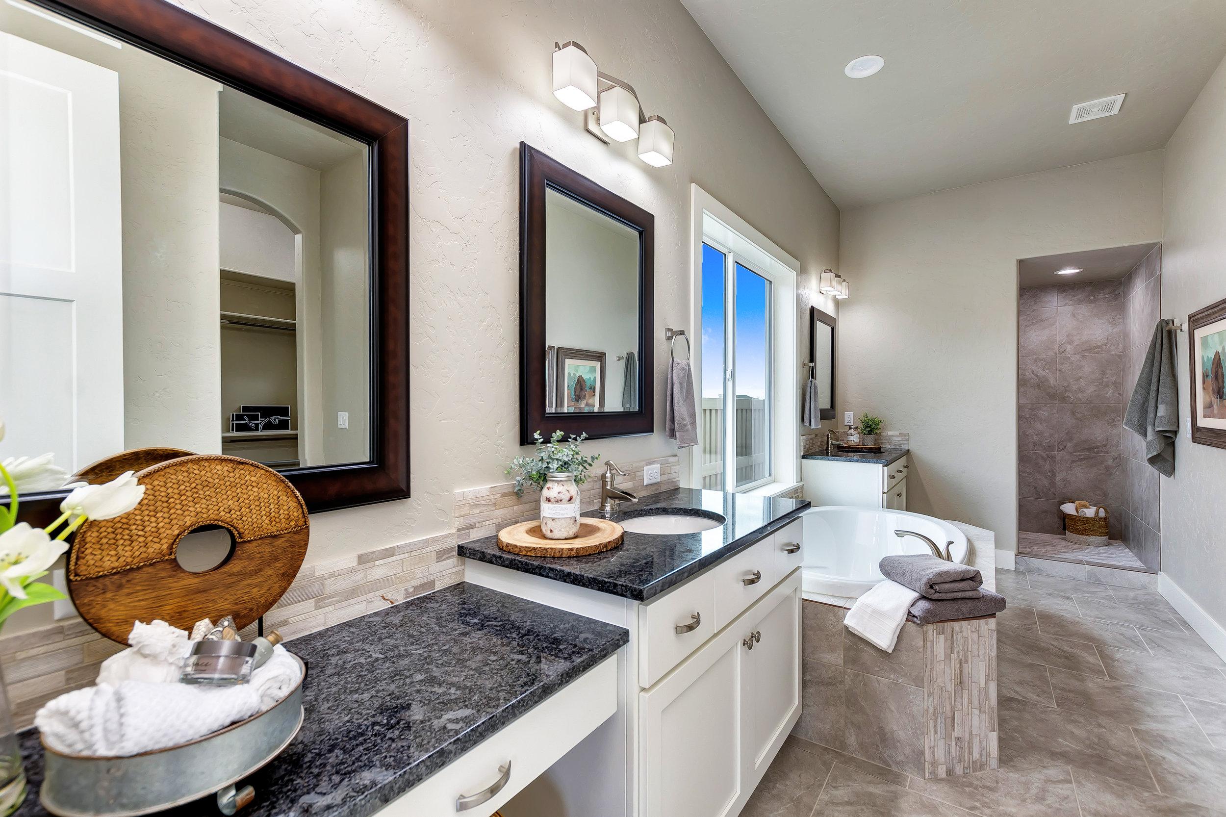 30-Master Bathroom.jpg